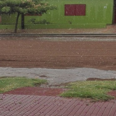 LLueve en Victorica con algo de Granizo