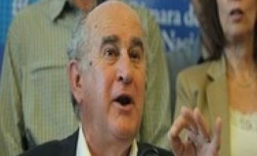 Oscar Parrilli amplió su denuncia en los Tribunales Federales