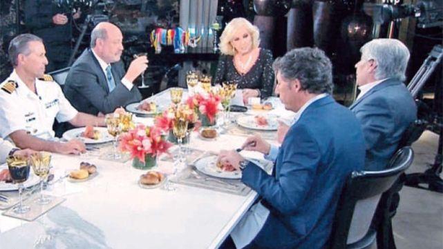 Moyano se sentó en la mesa de Mirtha y le pegó al Gobierno