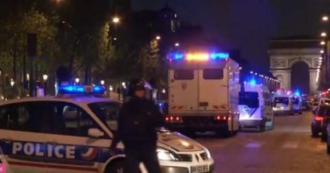 Dos muertos en feroz tiroteo en pleno centro de París