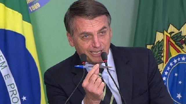 Bolsonaro firmó decreto para facilitar la compra de armas