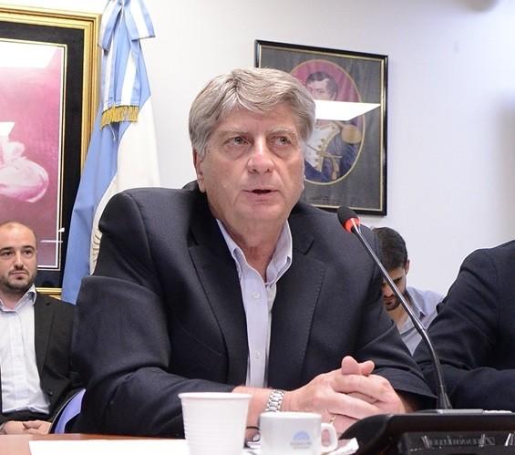 El Bloque Justicialista citó al Ministro Caputo