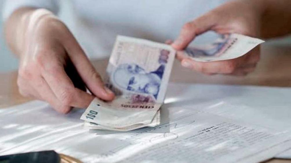 El Gobierno oficializó el otorgamiento de un bono de $ 5000 para la administración pública