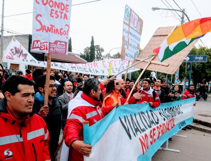 Candidato a Diputado Nacional por Izquierda al Frente Gomez repudia la visita de Macri y apoya a los trabajadores de Vialidad