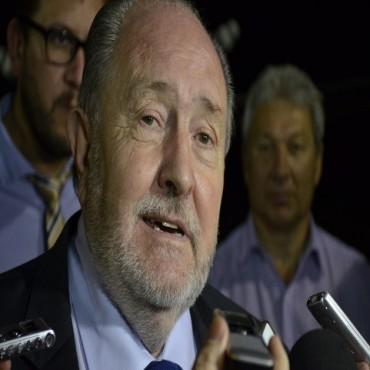 El gobernador Verna abordó varios temas con la prensa